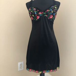 Victoria's Secret Nighty Black Embroided Lace 36C